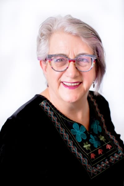 Lois Hannam